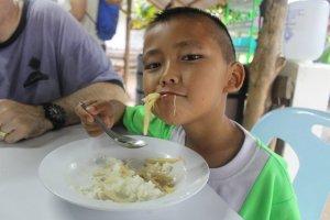 Thai_boy_noodles